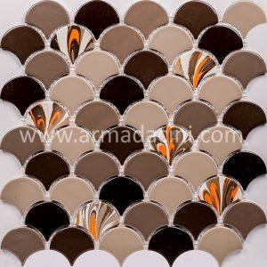 Bej renkli ebru sanatı çalışması balık pulu fileli mozaik