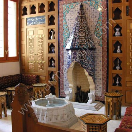 Villa İç Mimari Çinili Şömine Dizayn Örneği Kütahya ve iznik çinileri el yapımı çini karo çini pano çiniler seramik dekorasyon hand made interior tiles