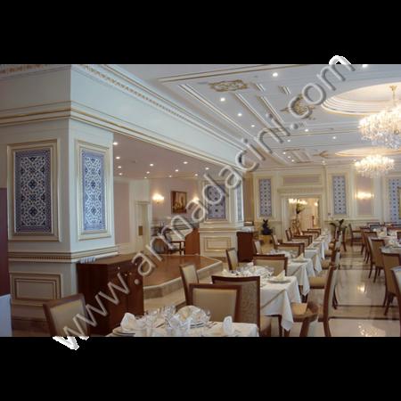 Otel Restorant Duvar Çini Uygulama Örneği Kütahya ve iznik çinileri el yapımı çini karo çini pano çiniler seramik dekorasyon hand made interior tiles