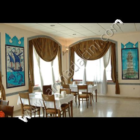 Cafe İç Mimari Çini Dekor Uygulaması Örnekleri Kütahya ve iznik çinileri el yapımı çini karo çini pano çiniler seramik dekorasyon hand made interior tiles